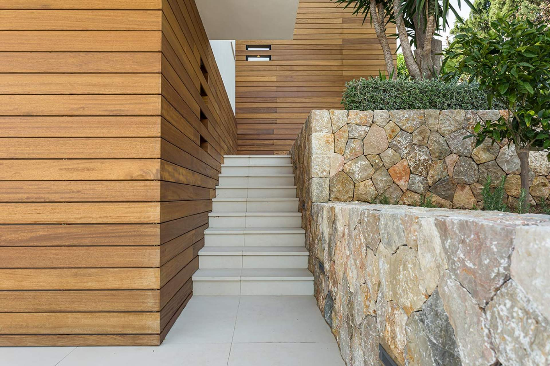 Micro Cement villa stairs setting using Light tile
